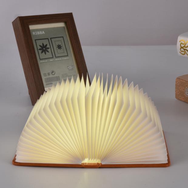 โคมไฟหนังสือ book lamp