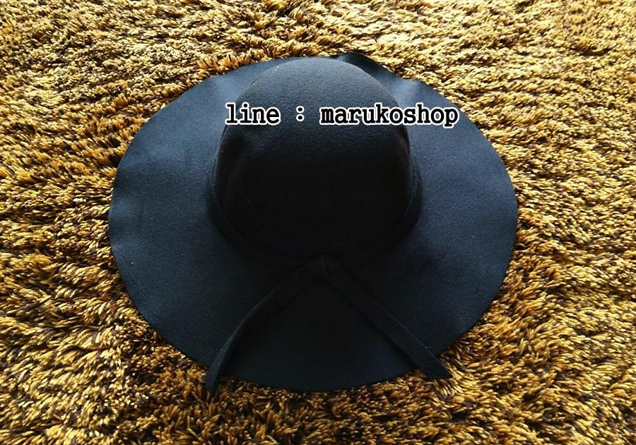 หมวกปีกกว้าง หมวกเที่ยวทะเล หมวกผ้าวูล สีดำ แต่งโบว์รอบ รอบศรีษะ 60 cm / ปีกกว้าง 10 cm