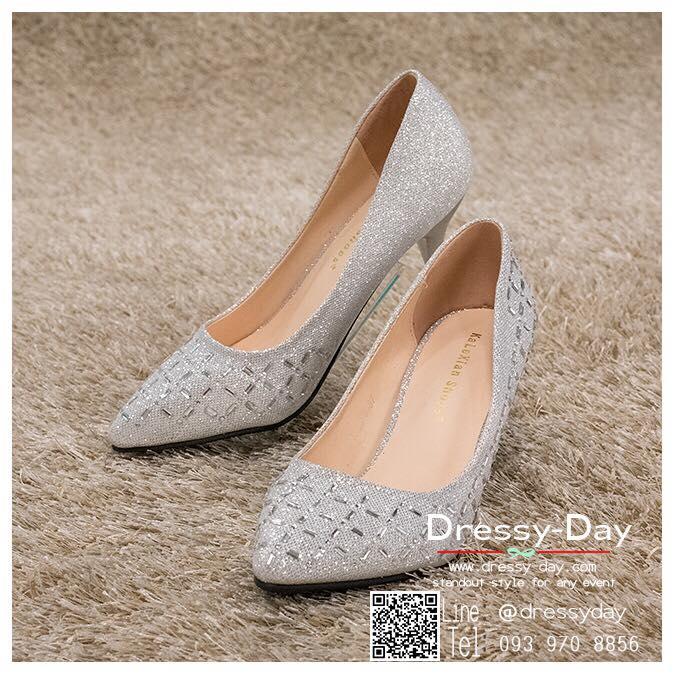 รหัส รองเท้าไปงาน : RR005 รองเท้าเจ้าสาวสีเทาเงิน พร้อมส่ง ตกแต่งกริตเตอร์ สวยสง่าดูดีแบบเจ้าหญิง ใส่เป็นรองเท้าคู่กับชุดเจ้าสาว ชุดแต่งงาน ชุดงานหมั้น หรือ ใส่เป็นรองเท้าออกงาน กลางวัน กลางคืน สวยสง่าดูดีมากคะ ราคาถูกกว่าห้างเยอะ