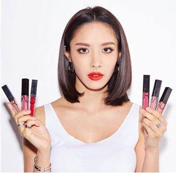 ลิปน้ำชา RAD Cosmetics Matte Liquid Lipstick ลิปสติกที่มาแรงสุดๆ สีสด สีสวยแน่นติดทน รีวิวลูกค้ามากมาย การันตรีโดยน้ำชาเลยค๊า ลิปเนื้อแมทคุณภาพ Premium มีทั้งเนื้อแมท และแมททัลลิคเงาวาว เนื้อดี สีละเอียดชัด ติดทนตลอดวัน ไม่ต้องกลัวปากดำ