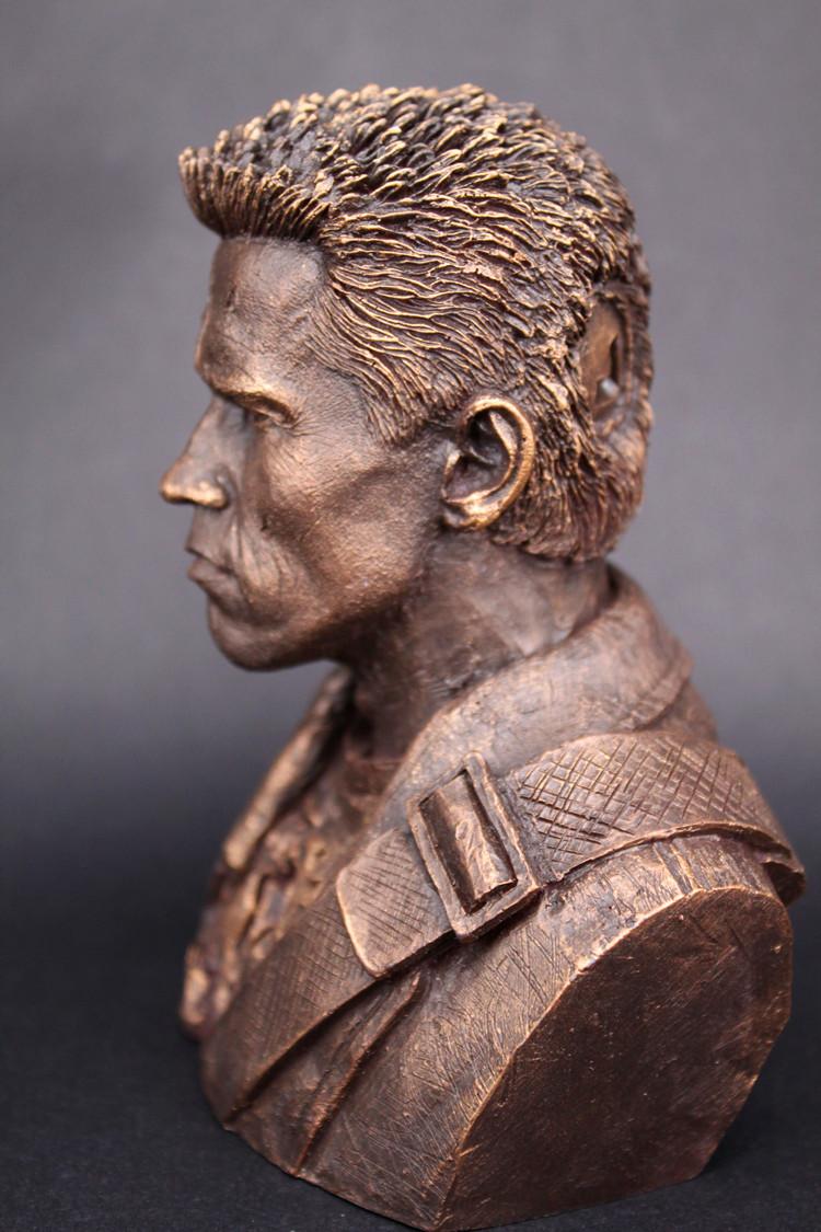 รูปปั้นคนเหล็ก Terminator T800
