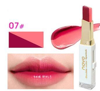 NOVO Double Color Lipstick Moisturizing Gradient Lipstick #07 Blush ลิปทูโทน เทรนด์ทาปากไล่สีแบบสาวเกาหลี ลิปสติกนวัตกรรมใหม่ที่ดีกว่าด้วย 2 สี และ 2 เนื้อสัมผัส ที่ไม่ใช่แค่จะทาริมฝีปากให้ดูมี มิติเพียงอย่างเดียว แต่ยังสามารถช่วยให้ริมฝีปากหนาและดูบางลง