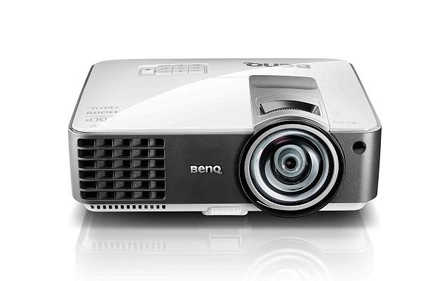 BENQ MX823ST ความสว่าง(ANSI Lumens)3,200 ความละเอียด(พิกเซล)1024x768(XGA) ค่า Contrast เท่ากับ13,000:1 น้ำหนัก2.6kg
