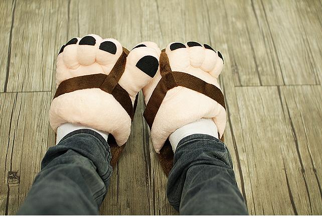รองเท้าใส่ในบ้านรูปเท้า