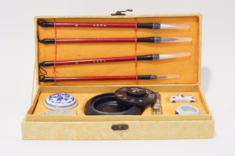ชุดอุปกรณ์เขียนอักษรจีนแบบดั้งเดิม (Traditional Chinese Calligraphy Set)