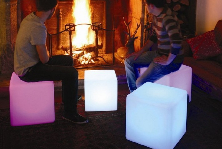 เก้าอี้เรืองแสง