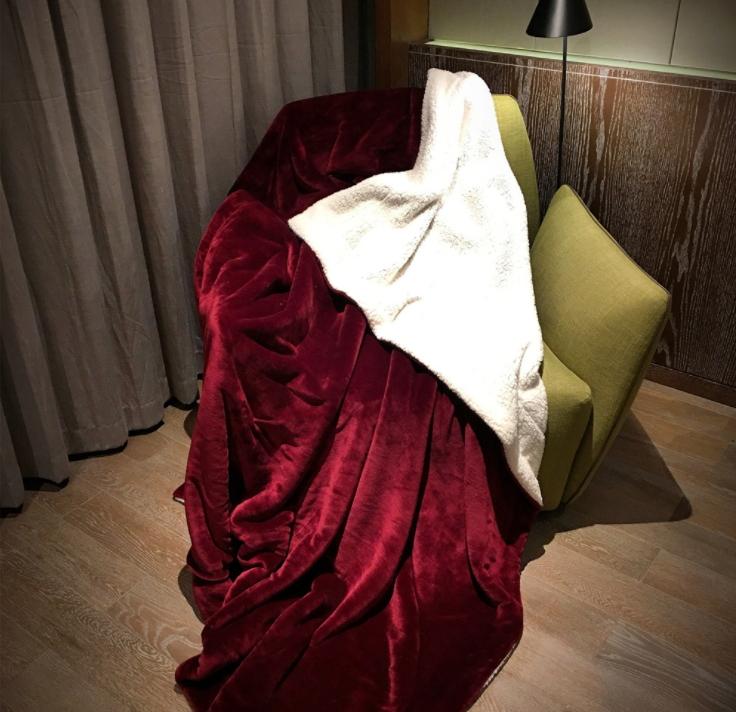 ผ้าห่มขนแกะนาโน Sherpa Throw