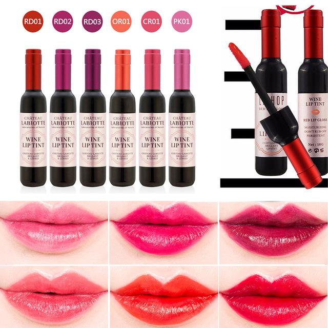 LABIOTTE Chateau Labiotte Wine Lip Tint 35g. ของแท้ 100% นำเข้าจากเกาหลี ลิปทิ้นท์ขวดไวน์ ดีไซน์หรู สีติดทนนาน พร้อมบำรุงริมฝีปากให้ชุ่มชื่นด้วยสารสกัดจากไวน์ กลิ่นไวน์หอมสดชื่น ทาทิ้งไว้ซัก 2 นาที เวลากินน้ำ กินข้าว สีลิปไม่ลอก ไม่เป็นคราบ ไม่ติดหลอด ไม่