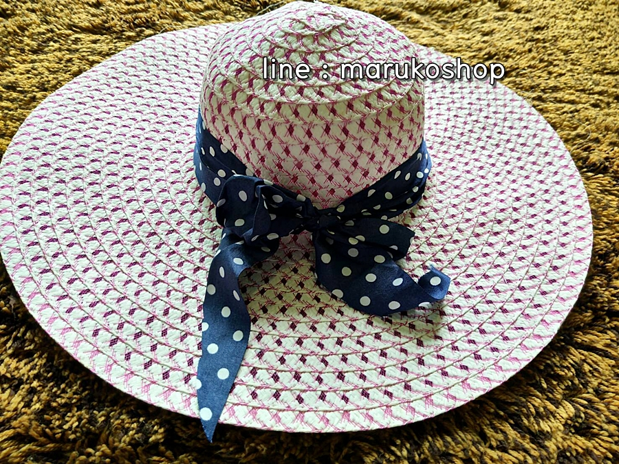 หมวกเที่ยวทะเล หมวกปีกกว้าง หมวกสานโทนชมพู แต่งโบว์ลายจุดกิ๊ปเก๋ รอบศรีษะ 59 cm ปีกยาว 13cm.