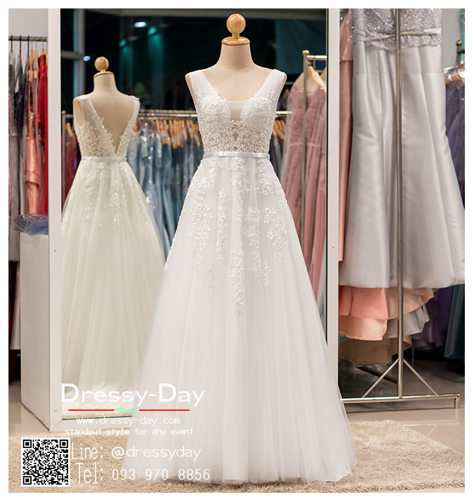 รหัส ชุดพรีเวดดิ้ง : PF074 ชุดแต่งงานใส่เป็นชุดพรีเวดดิ้งก็สวย พร้อมส่งสีขาว ใส่ถ่ายพรีเวดดิ้งแนวเจ้าหญิง ริมทะเล หรือในสวน แบบชมพู่ สวยมากๆ ค่ะ