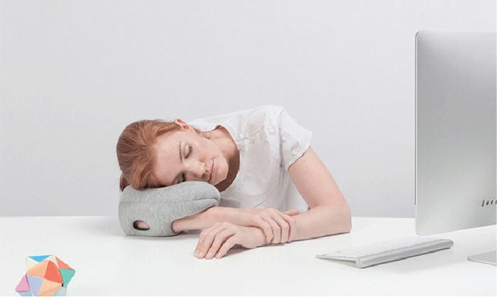 หมอนสวมแขน หมอนนอนงีบ รุ่นมินิ นอนได้ทุกที่