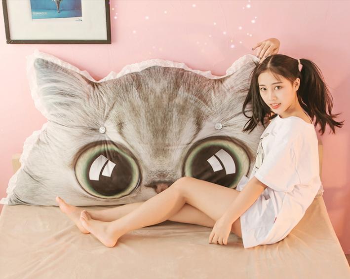 หมอนหัวเตียงหน้าแมว