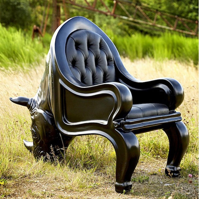 เก้าอี้แรด The Rhino Chair