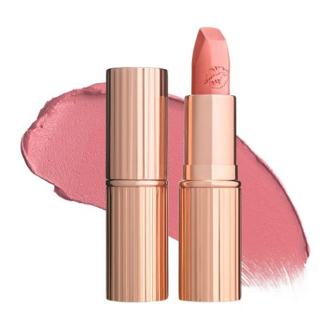 Charlotte Tilbury Matte Revolution Hot Lips Lipstick #Kidman's Kiss ลิปสติกเนื้อครีม ที่นุ่ม เนียน ละเอียด เกลี่ยง่าย ไม่เป็นคราบ และ สามารถกลบสีเดิมของริมฝีปากได้สูงถึง 80% ลิปสติกนี้มีพิกเมนท์สีเข้มข้นและมีส่วนผสมของมอยส์เจอร์ไรเซอร์เพื่อเพิ่มความช