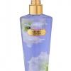 Victoria's Secret Secret Charm Fragrance Mist 250 ml. *แพคเกจใหม่รุ่น Fantasies กลิ่นนี้จะเป็นกลิ่นหอมอ่อนๆของดอกกุหลาบสีชมพู ผสมกับกลิ่นหอมของดอกมะลิ ให้ความรู้สึกหรูหรา แฝงด้วยความน่ารักอ่อนโยน กลิ่นไม่แรงจนเกินไป