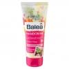 Balea Hand Cream Liebestraum Love Dream 100 ml. สูตรนี้จะมีกลิ่นหอมของดอกไม้อ่อนๆคะ สาวๆน่าจะชอบคะ บาเลียครีมบำรุงมือจากประเทศเยอรมัน ด้วยมอยเจอร์ไรซ์เซอร์เข้มข้น จากน้ำมันแอพริคอทและชีบัตเตอร์ ตรงเข้าบำรุงมือที่แห้งกร้านให้เนียนนุ่มชุ่มชื่นขึ้น ลดริ้วรอย