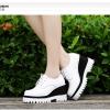 รองเท้าคัทชูผู้หญิงสีขาว พื้นหนา สไตล์ยย้อนยุค แนววินเทจ ส้นสูง8.5ซม. แฟชั่นเกาหลี