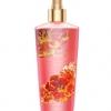 Victoria's Secret Passion Struck Fragrance Mist 250 ml. สเปร์ยฉีดผิวกายให้กลิ่นหอมติดตัวตลอดวัน กลิ่นหอมแอปเปิ้ลฟูจิ ผสมกับกลิ่นกล้วยไม้ กลิ่นจะให้ความหอมสดชื่นของแอปเปิ้ล เจือด้วยกลิ่นดอกไม้หน่อยๆ หอมกำลังดีคะ