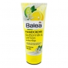 Balea Hand Cream Buttermilk & Lemon 100 ml. สูตรบัตเตอร์มิลล์และมะนาว บาเลียครีมบำรุงมือจากประเทศเยอรมัน ด้วยมอยเจอร์ไรซ์เซอร์เข้มข้น ตรงเข้าบำรุงมือที่แห้งกร้านให้เนียนนุ่มชุ่มชื่นขึ้น ลดริ้วรอยเหี่ยวย่น และมีกลิ่นหอมสดชื่นของมะนาว เนื้อครีมซึมซาบเร็ว ไม