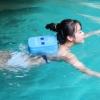 แผ่นโฟมติดหลังสำหรับฝึกว่ายน้ำ