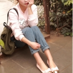 รองเท้าส้นแบนสีครีม หุ้มส้น หัวแหลมทูโทน ประดับโบว์ ทรงตุ๊กตา น่ารัก สไตล์เจ้าหญิง แฟชั่นเกาหลี