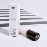 Tom Ford Illuminating Primer Base ขนาดทดลอง 5ml. ไพรเมอร์สุดหรูที่ได้รับความนิยมไปทั่วโลก เนื้อผลิตภัณฑ์มีสีขาวประกายมุก ทาแล้วให้สัมผัสกลืนไปกับผิว ไม่หนักหน้า เป็นธรรมชาติ หน้าผ่องสุดๆ ไม่ผสมน้ำหอม ไพรเมอร์และเบสในตัวเดียวกันเนื้อจะออกมุก ๆ