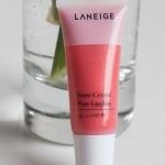 Laneige Snow Crystal Pure Lipgloss ขนาดทดลอง 3g. # LR107 Veil Rose ลิปกรอสสีสวยผสมชิมเมอร์สีทอง ให้ริมฝีปากอวบอิ่ม แวววาว มีเสน่ห์น่าสัมผัส เพื่อความเปล่งประกายแลดูมีมิติของริมฝีปากคุณ ขนาดพกพาน่ารักมากค่ะ