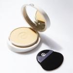 Giorgio Armani Luminessence Bright Makeup Veil SPF 35 PA+++ 8g.(ขนาดปกติ Refill+Case) แป้งผสมรองพื้นรุ่นใหม่ล่าสุด มีวิ้งเล็กๆ ที่ช่วยในการกระจายแสง ให้หน้าขาวใสเป็นธรรมชาติ โดยอาศัยเทคโนโลยี Micro-Fil Stretch ซึ่งเป็นโมเลกุลขนาดเล็กที่ทำหน้าที่กระจายและส