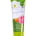 Bath & Body Works Sweet Magnolia & Clementine 24 Hour Moisture Ultra Shea Body Cream 226g. ครีมบำรุงผิวสุดเข้มข้น มีกลิ่นหอมติดทนนาน ด้วยกลิ่นหอมหวานของดอกมะลิและลิลลี่ ผสมกลิ่นลูกแพร์และแบลคครอเรนท์คะ