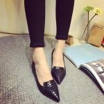 รองเท้าหุ้มส้นผู้หญิงสีดำ หนังนิ่ม ลายหนังงู ส้นเตี้ย แฟชั่นเกาหลี