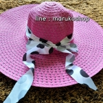 หมวกปีกกว้าง หมวกเที่ยวทะเล หมวกปีกว้างสีชมพู แต่งโบว์ใหญ่ลายจุดรอบ
