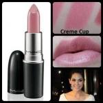 ลิปสติก MAC Cremesheen Lipstick # Creme Cup โทนสีชมพูนู๊ด ลิปสติกเนื้อครีม สัมผัสนุ่มลื่น มีส่วนผสมของมอยเจอไรเซอร์ช่วยเพิ่มความชุ่มชื่นให้กับริมฝีปากคุณ พร้อมอณูมุกเล็กๆ ช่วยเพิ่มเสน่ห์ให้ริมฝีปากดูเซ็กซี่เย้ายวนใจ