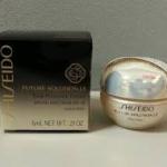 Shiseido Future Solution LX Total Protective Cream SPF15 ขนาดทดลอง 6 ml. ครีมบำรุงสำหรับเวลากลางวัน ที่ช่วยปกป้องผิวจากรังสียูวีซึ่งเป็นสาเหตุหลักของการเกิดริ้วรอยก่อนวัย และช่วยลดเลือนริ้วรอยและความหย่อนคล้อย ให้กลับกระชับได้รูป ในขณะที่ช่วยกักเก็บความชุ