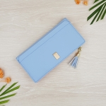 กระเป๋าสตางค์ผู้หญิง ทรงยาว รุ่น Prettyzys SQ Light Blue สีฟ้าอ่อน