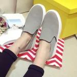 รองเท้าหุ้มสันผู้หญิงสีเทา แบบสวม พื้นยาง พื้นหนา แฟชั่นเกาหลี