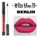 Kat Von D Everlasting Liquid Lipstick #Berlin ลิควิดลิปสติกที่เป็น Bestseller ของแบรนด์นี้ ให้เม็ดสีที่คมชัด ติดแน่นทนนาน ปกปิดสีปากดีเยี่ยม เนื้อครีมเกลี่ยง่ายทาง่ายเรียบลื่นไปกับริมฝีปาก ให้ผลลัพธ์เป็นแมท อีกทั้งยังอุดมไปด้วยคุณค่าจากวิตามินอี