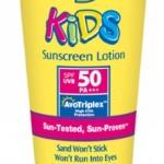 Banana Boat Kids Ultra Sunscreen Lotion SPF50 PA+++ 90ml. โลชั่นกันแดดสำหรับปกป้องผิวเด็กตั้งแต่อายุ 2ปีขึ้นไป* หรือผู้มีผิวแพ้ง่าย เนื้อครีมบางเบาซึมซาบเร็วไม่อุดตันรูขุมขน อุดมไปด้วยอโลเวร่าและวิตามินอี ช่วยปลอบประโลมและให้ความชุ่มชื้นกับผิว
