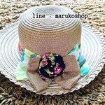 หมวกปีกกว้าง หมวกเที่ยวทะเล หมวกสาน โทนน้ำตาลเข้ม แต่งโบว์กุหลาบรอบเก๋ๆ รอบศรีษะ 57-59 cm