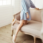 รองเท้าคัทชูผู้หญิงสีเบจ ไมโครไฟเบอร์ หัวกลม มีเข็มขัดรัดข้อเท้า ส้นหนา ส้นสุง4cm แนวหวาน น่ารัก แฟชั่นเกหลี