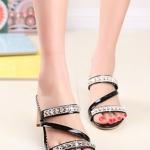 รองเท้าแตะผู้หญิงสีดำ ส้นสูง เปิดส้น สายคาดแต่งเพชรหรูหรา แบบเปิดโชว์นิ้วเท้า แฟชั่นเกาหลี