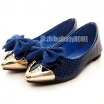 รองเท้าหุ้มส้นผู้หญิงสีน้ำเงิน หัวแหลมสีทอง พื้นเตี้ย ตกแต่งด้วยโบว์ หวานน่ารัก แฟชั่นแนววินเทจ สไตล์เกาหลี