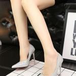 รองเท้าคัทชูส้นสูงหัวแหลม แต่งกากเพชรหรูหรา (สีเงิน)
