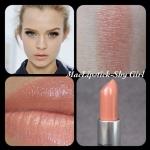 ลิปสติก MAC Cremesheen Lipstick #Shy Girl โทนสีส้มนู้ด ลิปสติกเนื้อครีม สัมผัสนุ่มลื่น มีส่วนผสมของมอยเจอไรเซอร์ช่วยเพิ่มความชุ่มชื่นให้กับริมฝีปากคุณ พร้อมอณูมุกเล็กๆ ช่วยเพิ่มเสน่ห์ให้ริมฝีปากดูเซ็กซี่เย้ายวนใจ