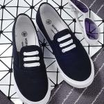 รองเท้าผ้าใบแฟชั่นผู้หญิงสีดำ พื้นสีขาว แบบเชือกผูก แต่ง3แถบ เก่ไก๋ ทรงทันสมัย เรียบง่าย แฟชั่นเกาหลี