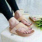 รองเท้าแตะ เพื่อสุขภาพ สไตล์ฟิทฟลอป หน้าเพชรลายคลื่น (สีน้ำตาล )