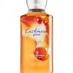 Bath & Body Works Cashmere Glow Shea Enriched Shower Gel 295ml. เจลอาบน้ำ เนื้อเจลเข้มข้น กลิ่นหอมใหม่นุ่มละมุนของวนิลลาผสมกับกลิ่น Musk และปลายๆกลิ่นมีกลิ่นเบอร์รี่ ให้รู้สึกสดชื่นไม่หวานมากจนเกินไป