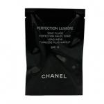 Chanel Perfection Lumiere Long-Wear Flawless Fluid Makeup SPF10 ขนาดทดลอง 2.5ml. #20 Beige รองพื้นคุณภาพระดับไฮคลาส จาก Chanel โดดเด่นด้วยเนื้อสัมผัสที่บางเบา ให้การปกปิดได้เรียบเนียนอย่างเป็นธรรมชาติ ขจัดความหมองคล้ำ ให้ผิวดูเปล่งประกาย ไม่ทิ้งคราบความมั