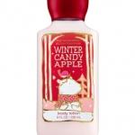 Bath & Body Works Winter Candy Apple Body Lotion 236 ml. โลชั่นบำรุงผิวสุดพิเศษ มีกลิ่นหอมติดทนนาน และซึมซาบสู่ผิวอย่างรวดเร็ว ไม่ทำให้เหนียวเหนอะหนะ กลิ่นหอมแบบขนมๆกลิ่นแอปเปิ้ล หอมหวานน่ารักน่ากินเชียวคะ
