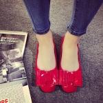 รองเท้าหุ้มส้นผู้หญิงสีแดง หนังแก้ว ประดับโบว์ ส้นเตี้ย แฟชั่นเกาหลี