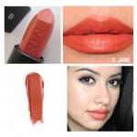 NARS Audacious Lipstick สี Jane (Terracotta rose) ลิปสติกคอลเลคชั่นพิเศษที่รวมทุกความต้องการของผู้หญิงไว้ในแท่งเดียว เนื้อกึ่งแมทกึ่งครีมมี่ เนื้อสีแน่นชัด ปกปิดสีปากได้มิดชิด เกลี่ยง่ายแม้ทาเพียงรอบเดียว ทั้งสีสวยคมชัด ติดทนนาน ให้ความชุ่มชื้น และช่วยบำร